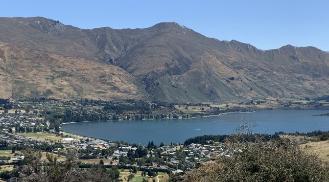 Views of Lake Wanaka from Mount Iron Walk